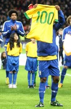 Ronaldinho-Mowa Press-Divulgação