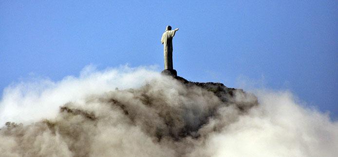 Rio-Christus Statue Nebel_Fernando Maia-Riotur
