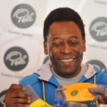 Pelé nach Hüftoperation wieder zuhause