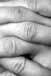 Verschraenkte Finger