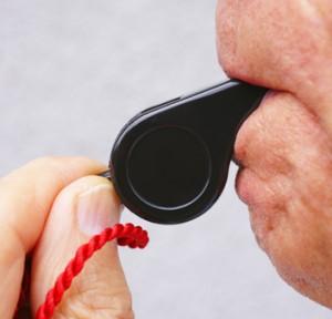 Anpfiff mit Trillerpfeife - Whistle