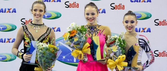 Angélica Kvieczynski (mi.) gewinnt die Troféu Brasil 2013  vor Natália Gáudio (li.) und Simone Luiz (re.)