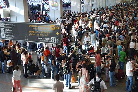 Aeroporto Brasilia_Problem_Fabio PozzebomABr