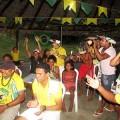 Die Indios Pitaguary, aus Ceará, vergessen ihre Tradition, um die brasilianische Seleção anzufeuern