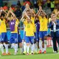 Brasilianische Fussballer versuchen, die Katastrophe auf dem Rasen zu erklären