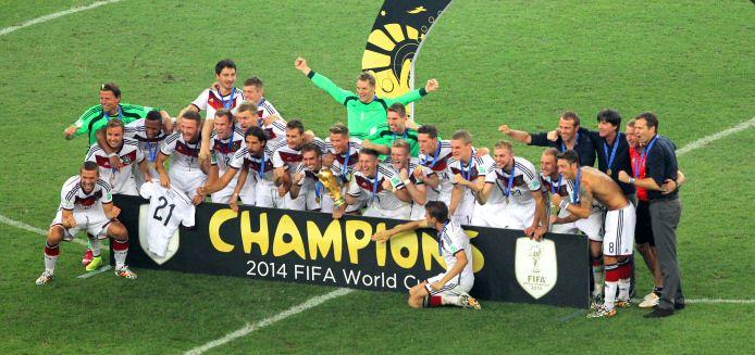 Das absolute Highlight des Jahres 2014 war die Fußball-Weltmeisterschaft mit dem verdienten Turniersieger Deutschland (Foto: Dietmar Lang / IAP Photo)