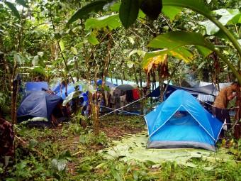 Geführte Touren sind oft mit Übernachtungen im Zelt verbunden; Pixabay.com © freeikon (CC0 1.0)