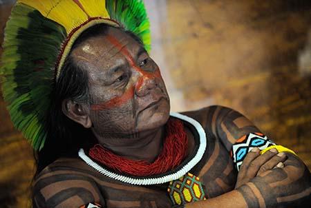O líder indígena kayapó, cacique Akiaboro Kayapó, durante visita da diretora-geral da Unesco, Irina Bokova, ao Museu do Índio (Fernando Frazão/Agência Brasil)