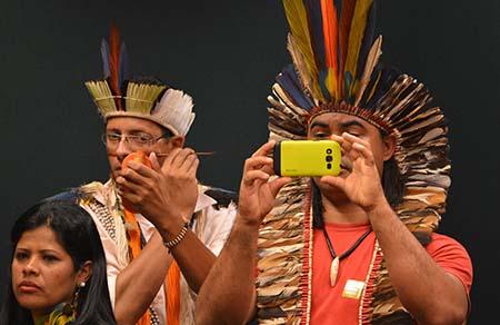 Brasília - A comissão especial da Câmara que analisa regras sobre a demarcação de terras indígenas PEC 215/00, reúne-se para discussão e a votação da proposta (Antônio Cruz/Agência Brasil)