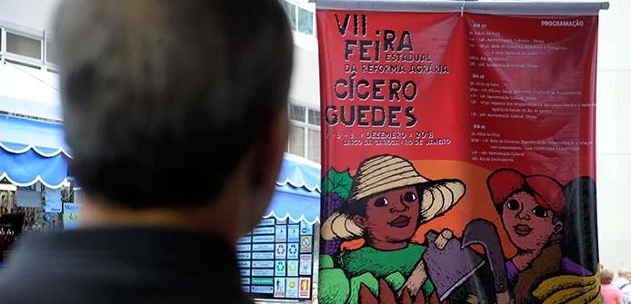 Rio de Janeiro - O Movimento dos Trabalhadores Sem Terra (MST) realiza a 7ª edição da Feira Estadual da Reforma Agrária Cícero Guedes, no Largo da Carioca, Centro do Rio de Janeiro. (Tânia Rêgo/Agência Brasil)