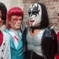 """David Bowie wird mit gigantischen """"Boneco"""" beim Karneval in Olinda geehrt"""