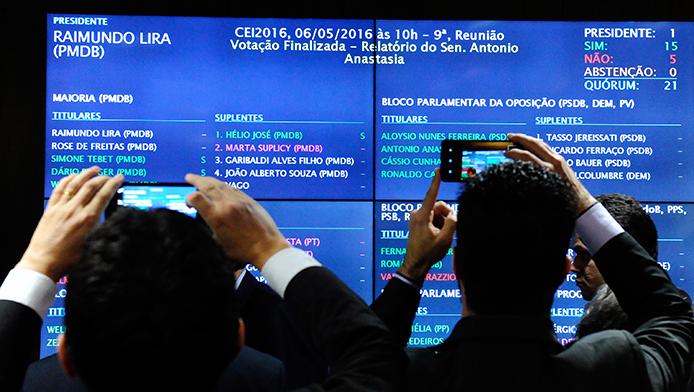 Abstimmmung der Spezialkommission zur Prüfung der Amtsenthebung Präsidentin Dilma Rousseff - Foto: Marcos Oliveira/Agência Senado