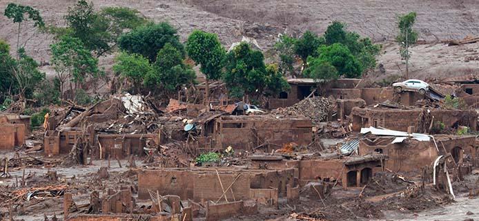 Staudammbruch in Mariana (MG), Distrito de Bento Rodrigues - Foto: Antonio Cruz/Agência Brasil
