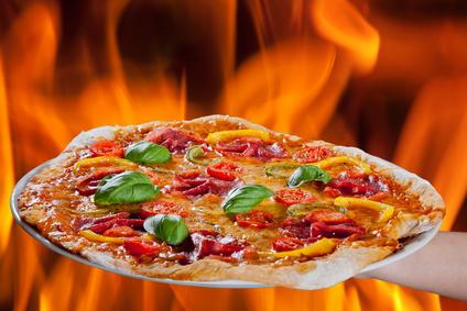 Pizzas vom Holzofen - Foto: Nick Freund/Fotolia.com