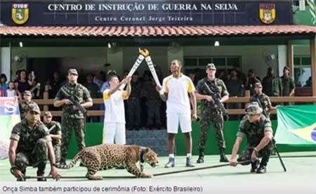 Jaguar bei olympischen Fackelzeremonie