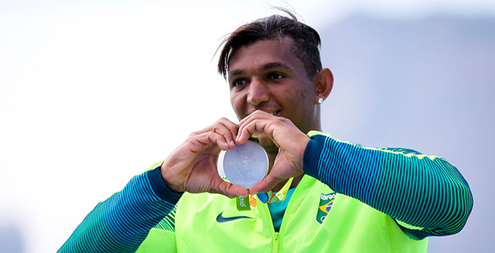 Isaquias Queiroz | Silbermedaille 1000 m Canadier Einer – Foto: Ministerio do Esporte