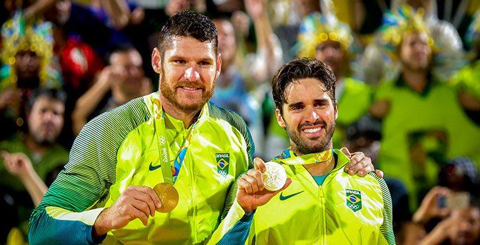 Alison und Bruno | Goldmedaille Beachvolleyball – Foto: Danilo Borges Brasil2016