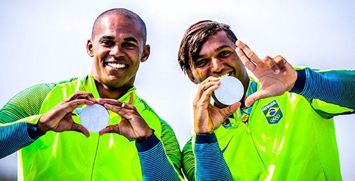Queiroz dos Santos und E. Silva | Silbermedaille 1000 m Canadier Zweier – Foto: Brasil2016