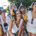 Karnevals-Auftakt in São Paulo: Brautpaare verstopfen Metro