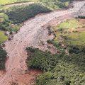 Angekündigte Dammbruchtragödie: bereits 58 Todesopfer, 305 Vermisste