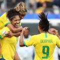 Fußball-Weltmeisterschaft der Frauen: Brasilianer feiern Sieg ihrer Frauen-Elf